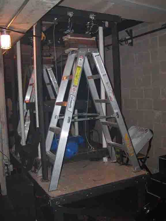 Counterweight Elevator/Trapdoor | ControlBooth