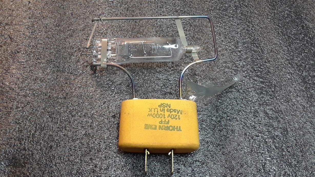 PAR-LAMP1.jpg
