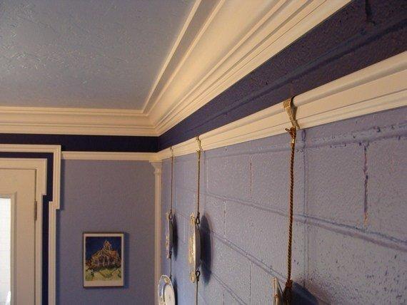 picture-rail-molding-108_on-brick-wall.jpg